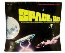 Space 1999 - Warner Books - Wall Calendar with Full Color Pictures 1976