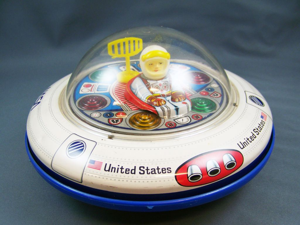 space_toy___vehicule_a_piles___nasa_spaceship_flying_sauce__masudaya__01