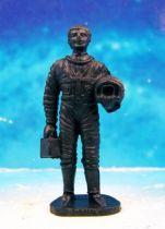 Space Toys - Figurines Plastiques - Cosmonaute tenant son casque en main (Bonux couleur noire) 01