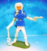 Space Toys - Plastic Figures - Cherilea Spacemen (White & Blue) with weapons