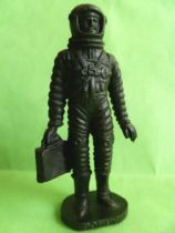 Space Toys - Plastic Figures - Cosmonaut holding briefcase (Bonux black color)