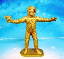 Space Toys - Plastic Figures - Cosmonaut pointing & spacegun (Bonux gold color)