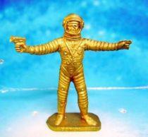 Space Toys - Plastic Figures - Cosmonaut pointing & spacegun (Bonux gold color)