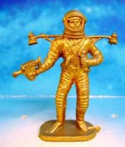 Space Toys - Plastic Figures - Cosmonaut with camera & jet-pack (Bonux gold color)