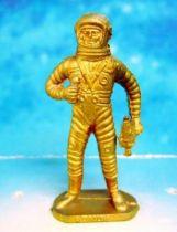 Space Toys - Plastic Figures - Cosmonaut with camera (Bonux gold color)