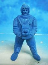 Space Toys - Plastic Figures - Kellogs Rice Krispies Spaceman with Camera (blue)