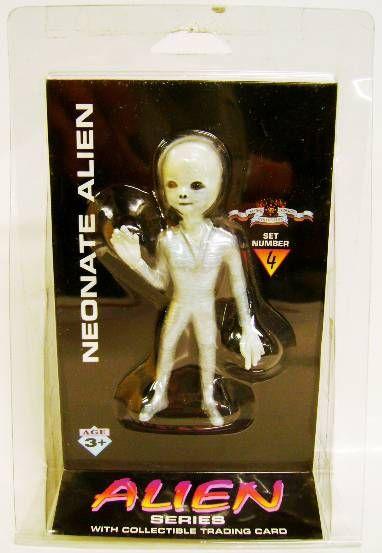 Space Toys - Plastic Figures - Neonate Alien (Myth & Legends Miniatures Set #4)