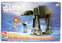 Star Wars - AMT/ERTL Snapfast Wind-Up Action Walker - AT-AT