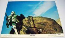 Star Wars - Lobby Card (1977) - Sandtroopers sur Dewback