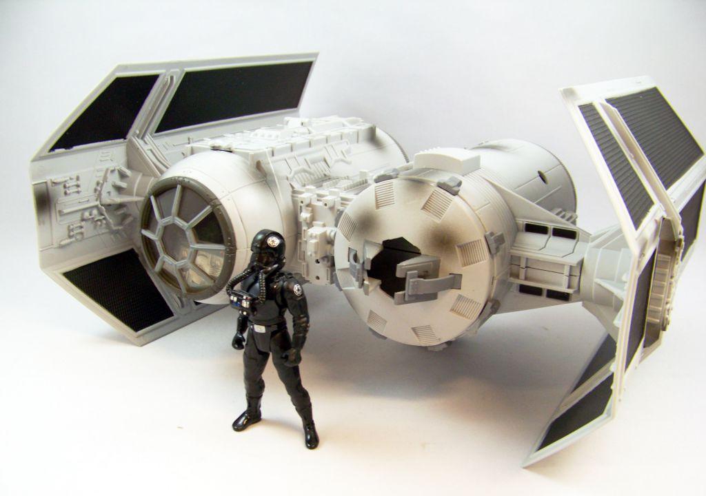 Star Wars (30th Anniversary) - Hasbro - TIE Bomber (includes TIE Bomber Pilot) occasion en boite