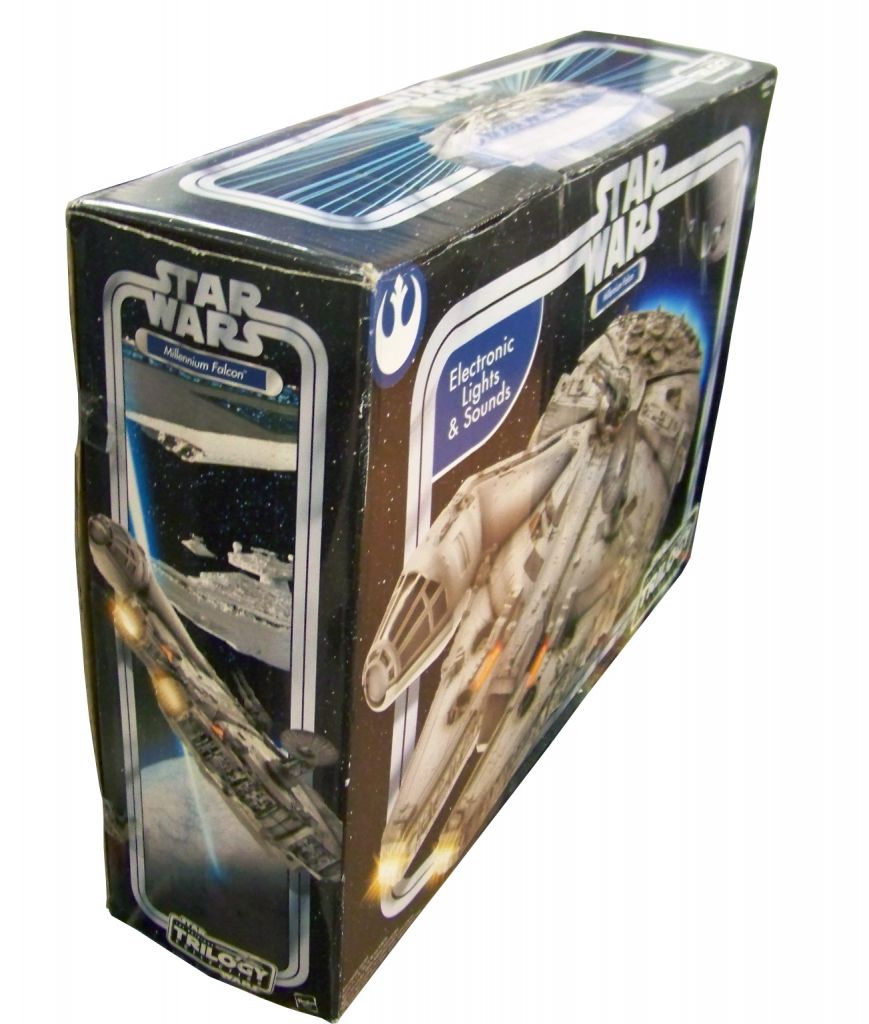 Star Wars (Original Trilogy Collection) - Hasbro - Millennium Falcon (Electronic Lights & Sounds) 02