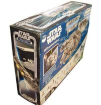 Star Wars (Original Trilogy Collection) - Hasbro - Millennium Falcon (Electronic Lights & Sounds) 03