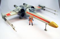 """Star Wars (Saga Collection) - Hasbro - Red Leader\'s X-Wing Fighter (Toys \""""R\"""" Us Exclusive)"""