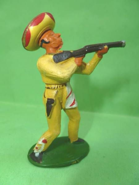 Starlux -  Gauchos - Series 53 - Footed Firing rifle standing (yellow) (ref 241)