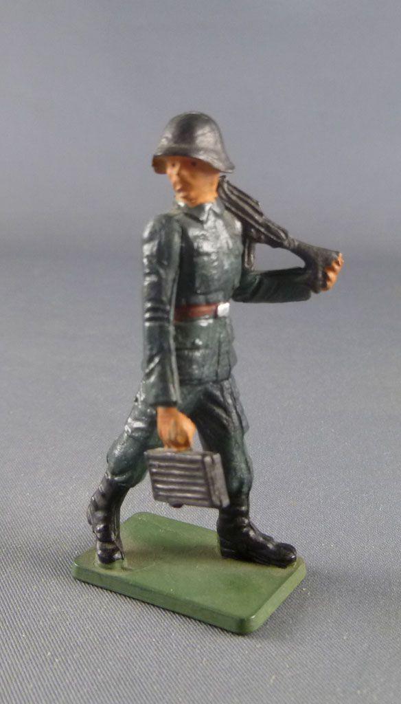 Starlux - Armée Helvétique - Piéton Suisse Combattant FM & Ammobox (réf XXX)