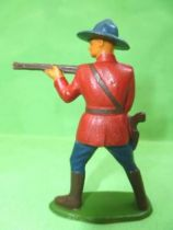 Starlux - Canadian Mounted Police - Footed firing rifle standing (ref 2341)