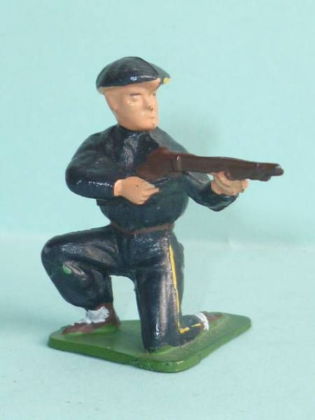 Starlux - Chasseurs Alpins - Type 2 - Firing rifle kneeling (réf 22)