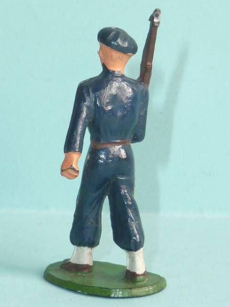 Starlux - Chasseurs Alpins - Type 2 - Marching rifle on shoulder (réf 26)