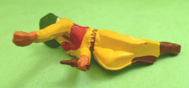 Starlux - Cow-Boys - Series 53 - Footed Crawling with gun (yellow) (réf 127)