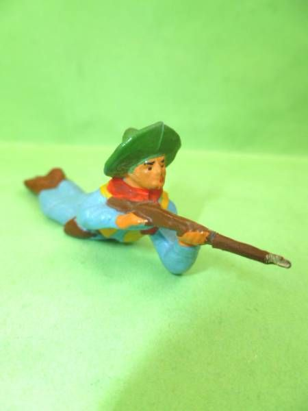 Starlux - Cow-Boys - Series 53 - Footed Firing rifle laying (réf 125)
