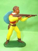 Starlux - Cow-Boys - Series 53 - Footed Firing rifle standing (yellow) (réf 121)