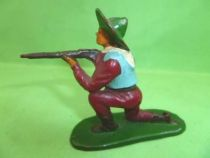 Starlux - Cow-Boys - Series 53 - Footed Kneeling firing rifle (bordeaux) (réf 122)