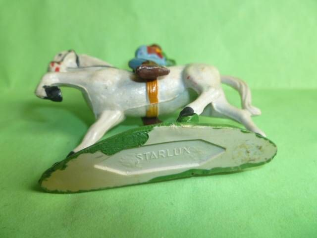 Starlux - Cow-Boys - Series 53 - Mounted Firing gun on side hat on back (ref 414)