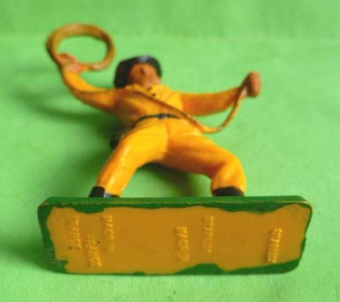Starlux - Cow-Boys - Series 55/56 - Footed Lasso (yellow) (ref 2128)