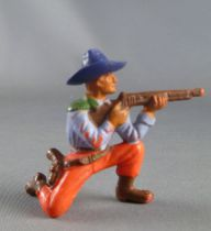 Starlux - Cow-Boys - Series 55/56 (Luxe) - Footed Kneeling firing rifle (purple & red) (réf C 2122)