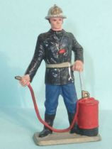 Starlux - Fireman 2sd serie - Caporal with extinguisher (ref SP4)