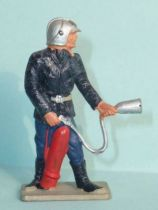 Starlux - Fireman 3rd series - With extinguisher (ref SP10)