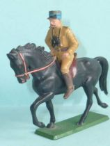 Starlux - French Cavalry - Series 63 - Officer trotting black horse (r�f 401)