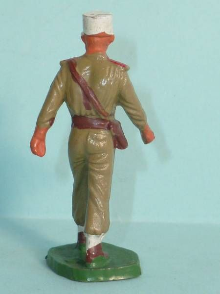Starlux - French Legion - Type 2 - Marching officer (réf 85)
