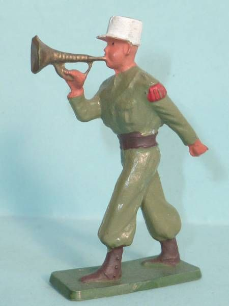 Starlux - French Legion - Type 3 - Marching bugle (réf 88)
