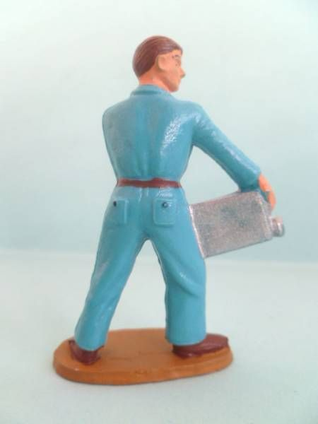 Starlux - Gaz Station - Mechanic with jerrycan (blue) (ref 2026)