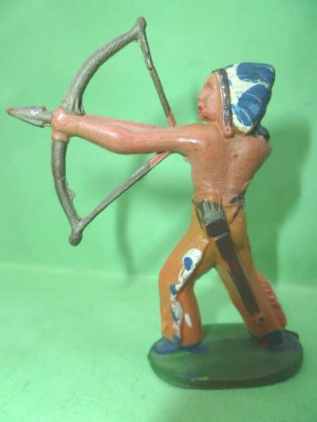 Starlux - Indians - Series Regular 46 - Footed Bowman standing (orange) (ref IND4)