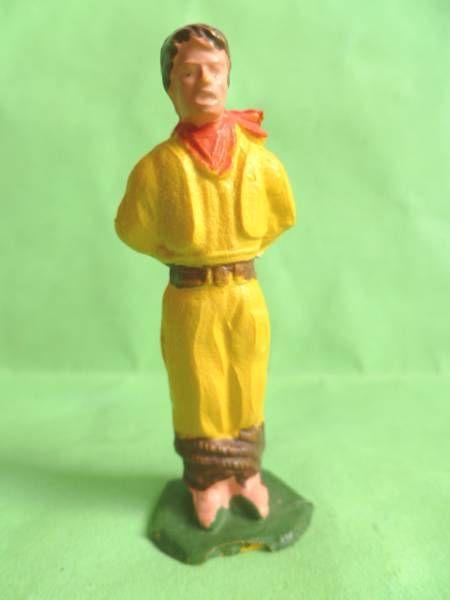 Starlux - Indians - Series Regular 53 - Footed Prisonner (yellow brown belt) (ref 203)