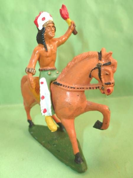 Starlux - Indiens - Série Ordinaire 53 - Cavalier Torch (green) orange walking horse (ref 439)
