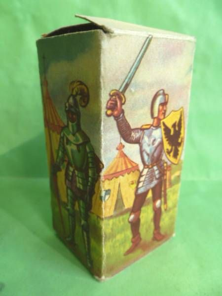 Starlux - Middle-age - serie 58 - ref  6004 - Empty Box for footed lord fighting sword triangular shield (1961 version)