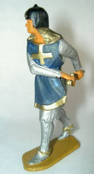 Starlux - Middle-age - serie 58 - ref  6010 (grey base) - footed crusader decladding is sword (dark blue)