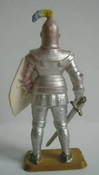 Starlux - Middle-age - serie 58 - ref  6012 (white base) - footed knight in armor (metalised light grey pink - blue shield)