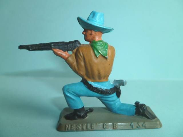 Starlux - Nestlé Kohler - Cow-Boys - Footed Firing rifle kneeling N° 134