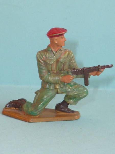 Starlux - Paratroopers - Serie Luxe - Firing MG kneeling (réf 5071)