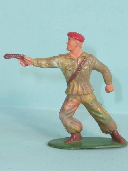 Starlux - Paratroopers - Type 2 - Firing pistol (ref 64)