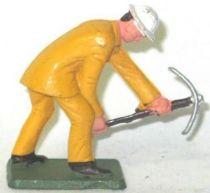 Starlux - Road Works - Worker diging bending (ref TP4)