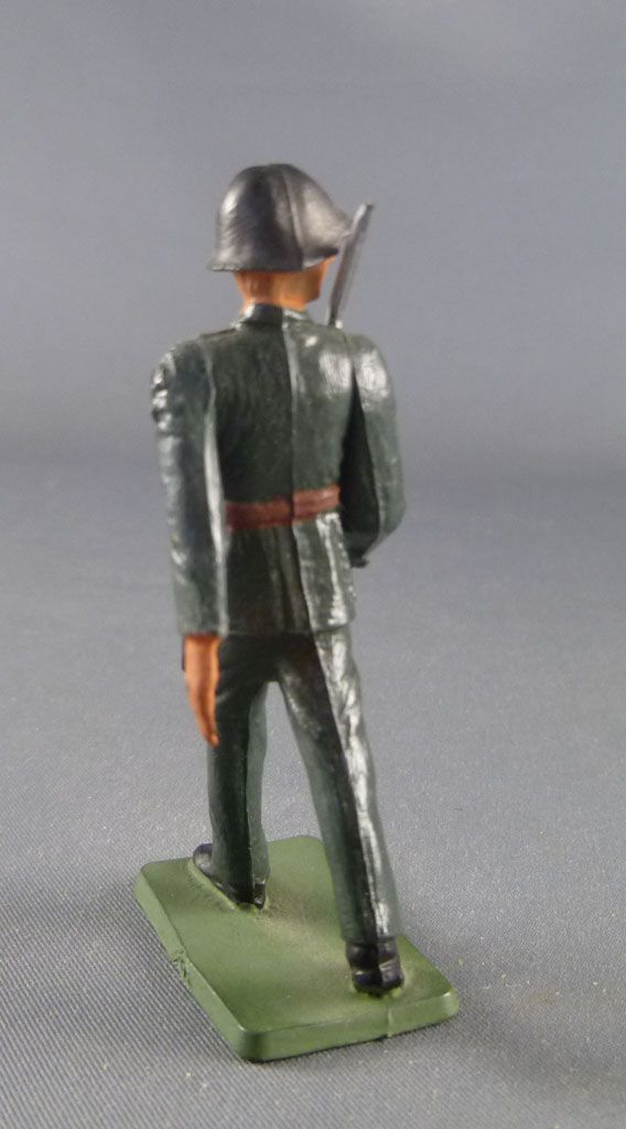 Starlux - Switzerland Army - Fouted Marching Saber (ref AH106)