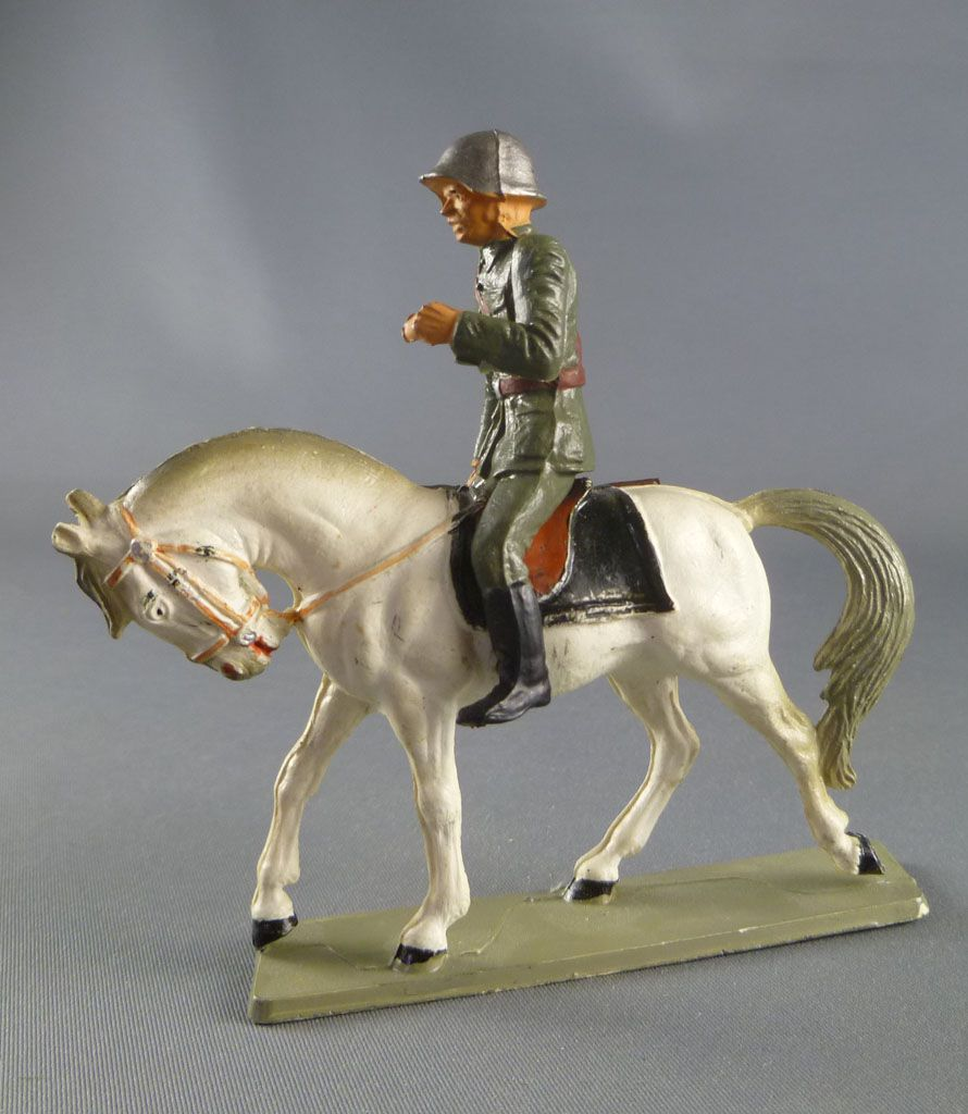 Starlux - Switzerland Army - Mounted Dragon Rifle in Hand (ref DS203)