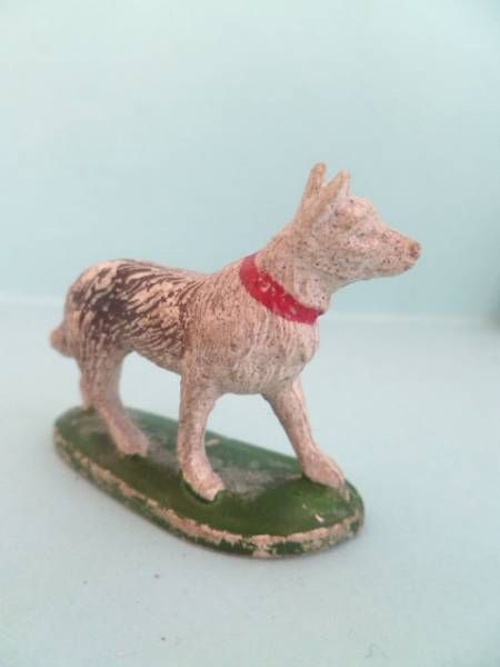 Starlux - The Farm - Animals - Dog N°2 (series 53/54 ref 537)