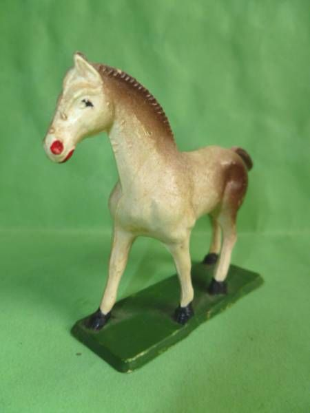 Starlux - The Farm - Animals - Horse (with base) (white & brown ) (Series 53/54 ref 541)