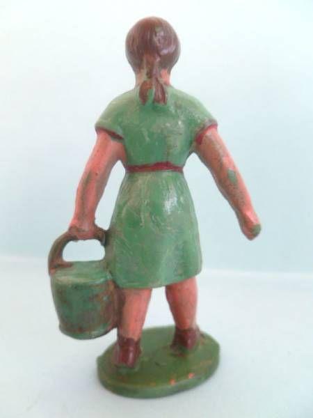 Starlux - the farm - Farm woman with bucket (series 46/53 ref F6)